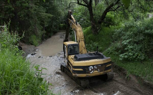 Guerrero: Inician desazolve de río y arroyo en Acapulco (20 Minutos)