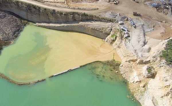 Agua y minería: implicaciones y riesgos