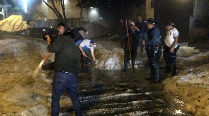 Granizada colapsa vialidades en CDMX y EdoMex (La Jornada)