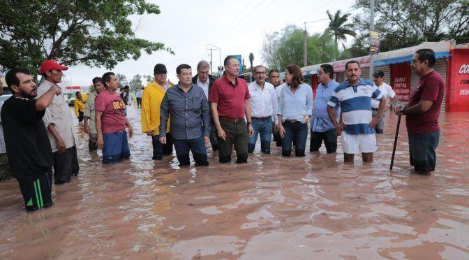 Fuertes lluvias dejan bajo el agua a Sinaloa (Milenio)