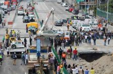 La SCT, responsable por el socavón en el Paso Exprés: CNDH (La Jornada)