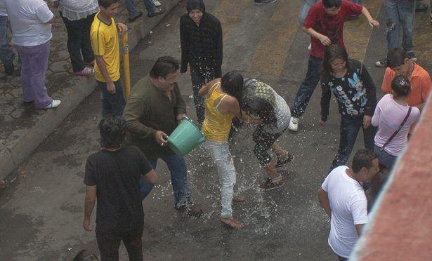 Pagar más por desperdicio de agua: Ramón Aguirre (La Prensa)