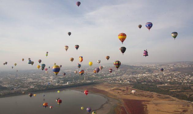 AMLO invertirá 4 mmdp en refinería de Salamanca y promete agua para León (Huffpost)