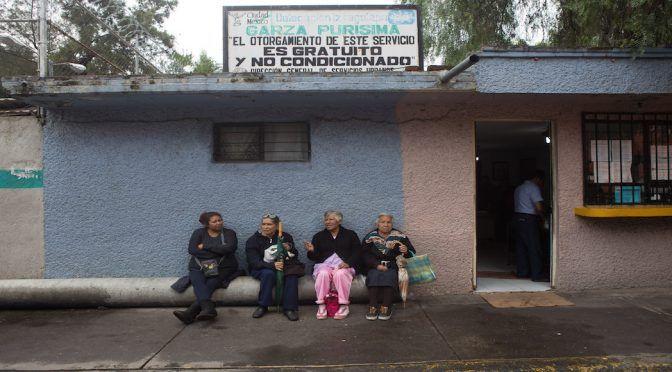 Son mujeres las que enfrentan la escasez de agua en la CdMx, pero aún así se les menosprecia (Sin Embargo)