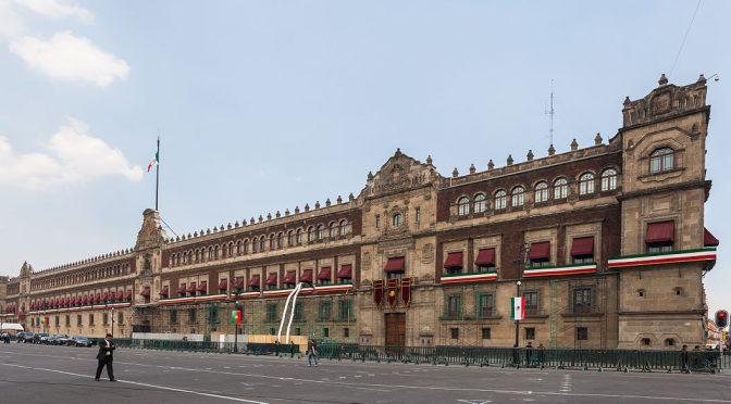 Cierran Palacio Nacional por corte de Agua (El Universal)