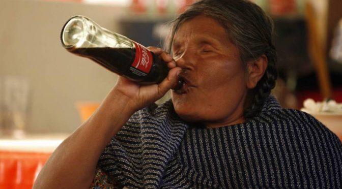 Escasez de agua potable obliga a pobladores de Chiapas a tomar 2 litros diarios de Coca Cola, dice estudio (SinEmbargo)