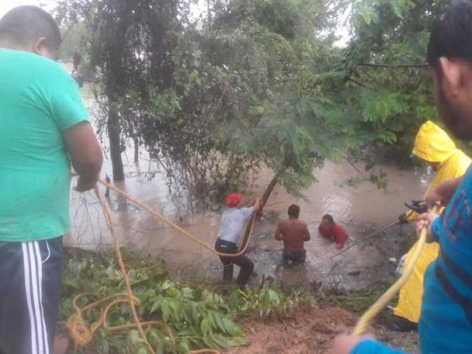 CdMx: Frente frío y lluvias torrenciales ponen en alerta a la costa de Tabasco (Excelsior)