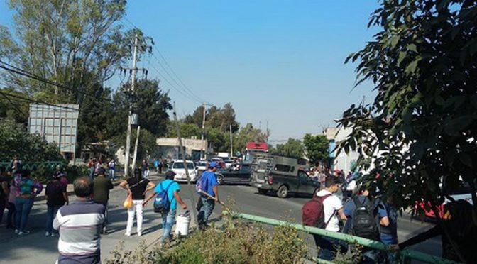 Por falta de agua bloquean Avenida Central en Ecatepec (Milenio)