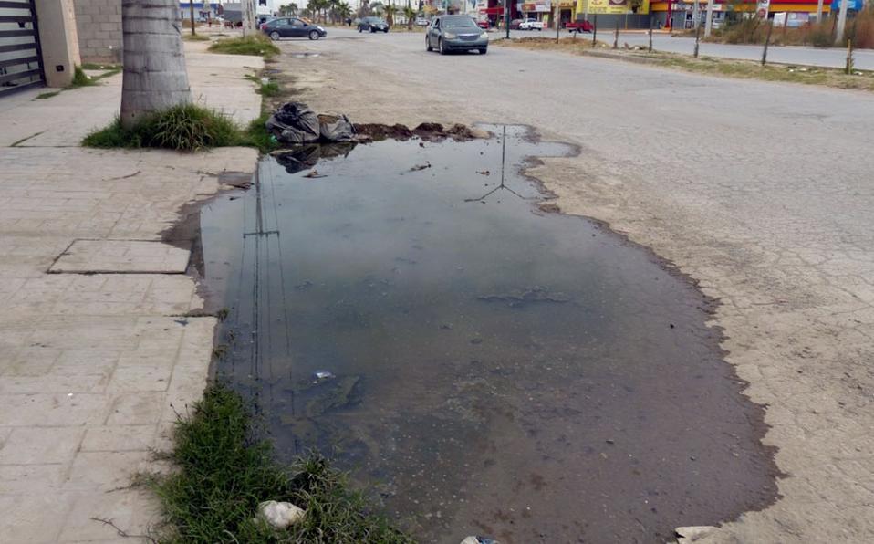 Coahuila: Bloquean bulevar de Torreón por problema de drenaje tapado (Milenio)
