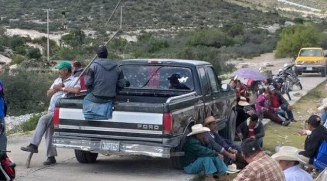 """Ejidatarios mantienen bloqueado el camino a """"La Maroma"""" (El Sol de San Luis)"""