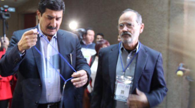 Chihuahua: Pese a rechazo de comuneros, Corral inaugura gasoducto en un ejido (La Jornada)