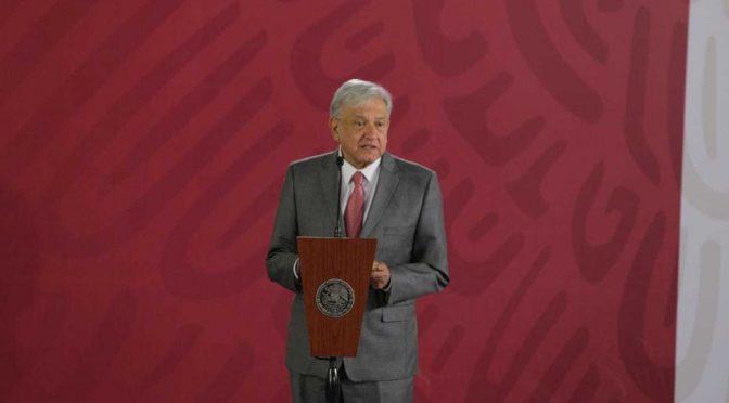 AMLO presentará plan de refinación de petróleo y de producción eléctrica (Milenio)