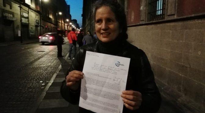 Entregan a AMLO primera petición ciudadana en Palacio Nacional (Milenio)
