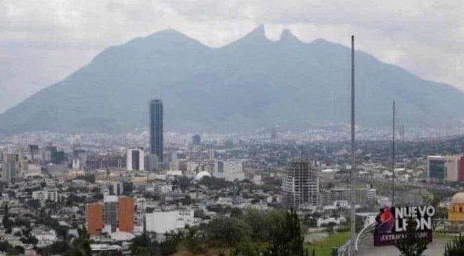 'Envuelve' contaminación a Monterrey (ABC Noticias)