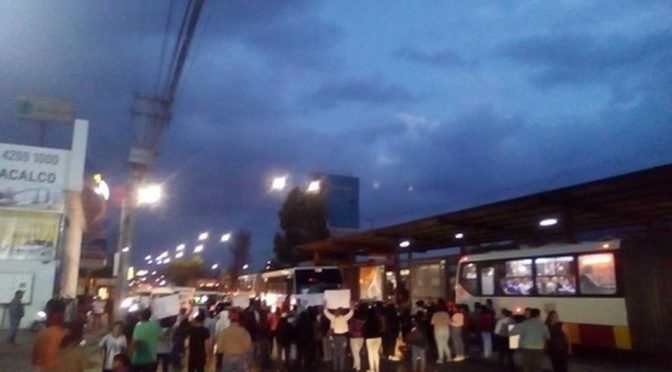 Vecinos de Coacalco bloquean la avenida López Portillo (Milenio)
