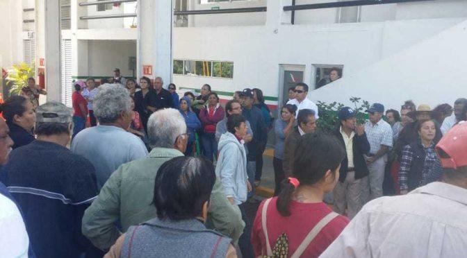 Protestan en caseta Pánuco-Canoas, llevan más de un mes sin agua (Milenio)