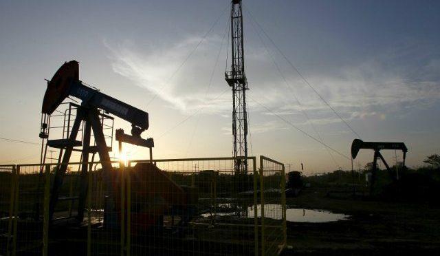 Pese a negativa de AMLO, Pemex sí contempla invertir en fracking (Forbes México)