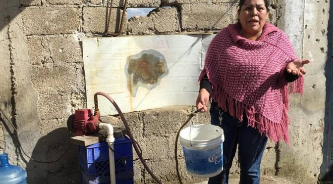 """""""¡Tomamos agua con gasolina!""""; alertan vecinos por fuga de combustible (El Sol de Toluca)"""
