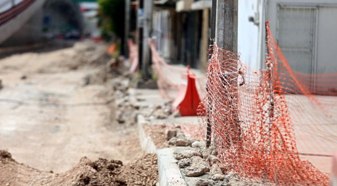 Coahuila: Por fuga de agua levantan asfalto en tramo del Metrobús Laguna (Milenio)