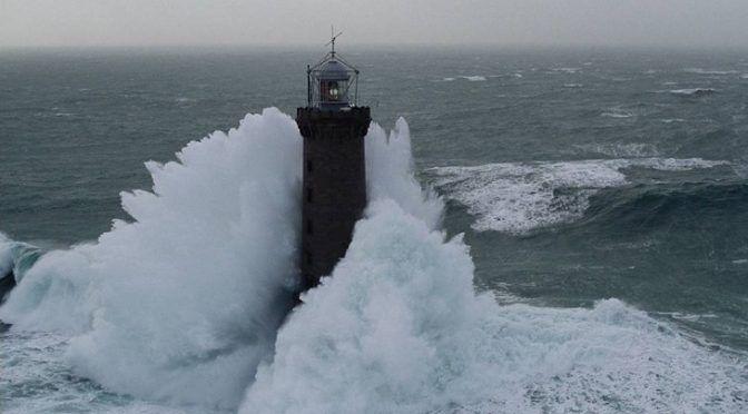 El cambio climático incrementa la potencia de las olas (Ecoticias)