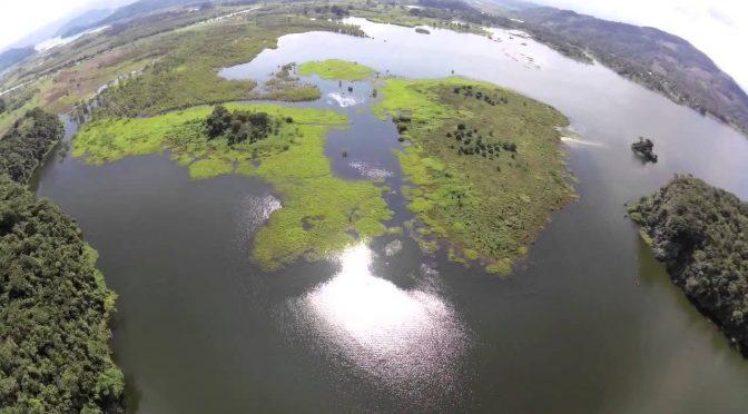 Ven contaminación en Valle de Bravo (Zócalo)