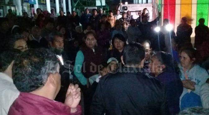 Protestan en Texcacoac por desabasto de agua potable (El Sol de Tabasco)
