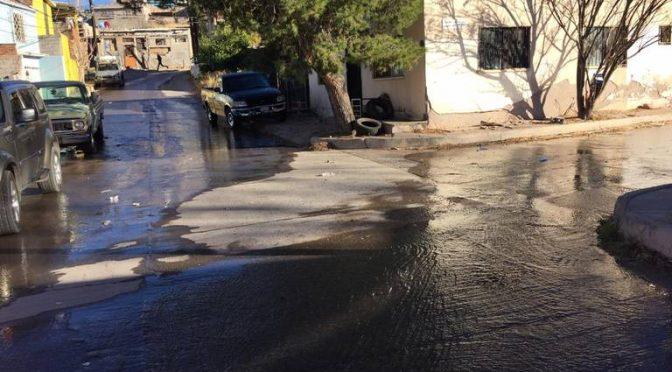 Miles de familias sin agua por fuga, la JMAS no se apareció (El Heraldo de Chihuahua)