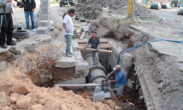 Reparan fuga de agua que tenía nueve años en Ecatepec (La Prensa)