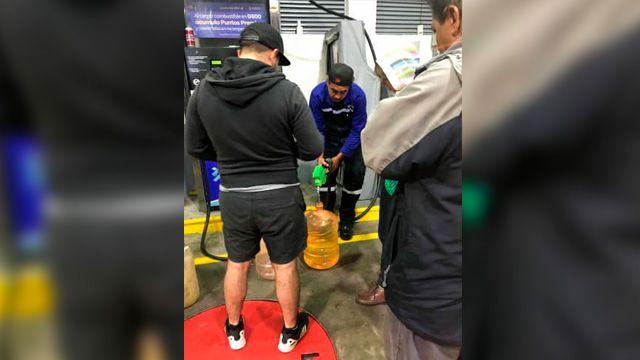Cargar gasolina en garrafones de agua podría dañar así tu salud (Mi Morelia)