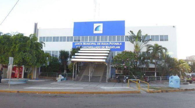 En Mazatlán, desarrolladores se amparan para no pagar agua en cotos de hasta ¡900 casas!