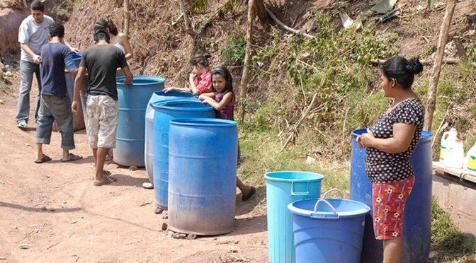 Protesta deja sin agua a 49 colonias de Oaxaca (Milenio)
