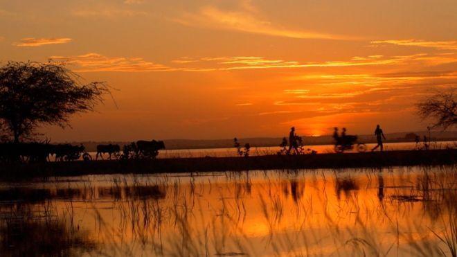 Los conflictos violentos por recursos (como el agua) que ya está creando el cambio climático (BBC)