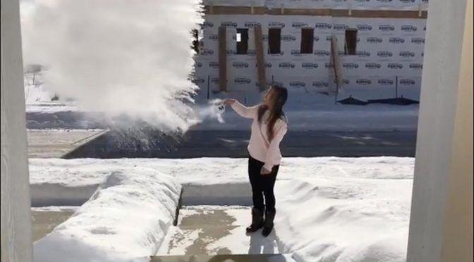 Agua hirviendo, comida y pestañas congeladas: así pega el frío ártico en EU (Multimedios)