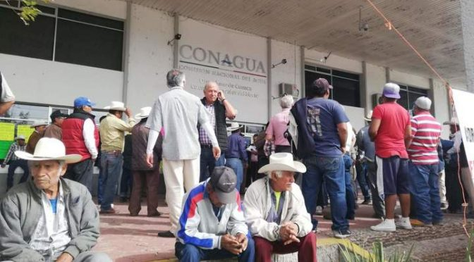 Señalan ilegalidad en entrega de agua (EL Siglo de Durango)