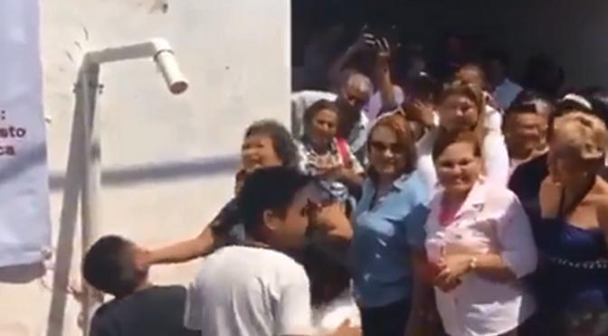 Cortan agua a alcaldesa de Acapulco durante entrega de sistema de bombeo (Milenio)