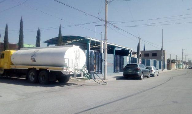 Ayuntamiento de Soledad suministra agua a escuelas (La Jornada San Luis)