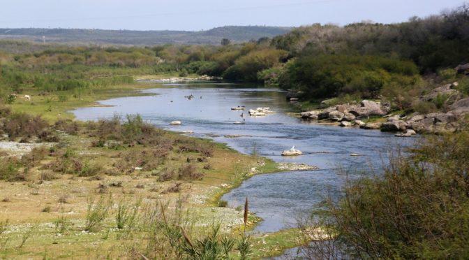 Secretaría de Desarrollo investiga contaminación de agua en Los Ramones (Milenio)
