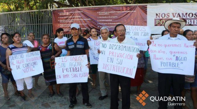 Protestan habitantes en alcaldía de Acapulco por falta de agua potable (Quadrantín)