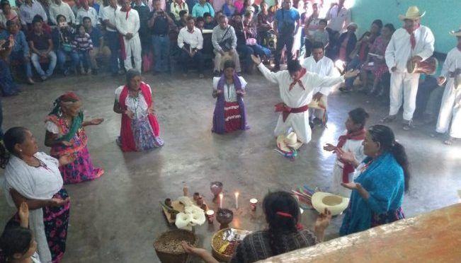 Con ritual, zoques se pronuncian contra proyectos mineros en Chiapas (El Universal)