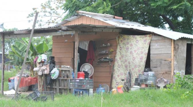 Tampico: Cientos roban agua y luz (El Sol de Tampico)