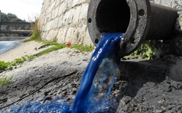 Nuestra ropa, también consume agua y la contamina