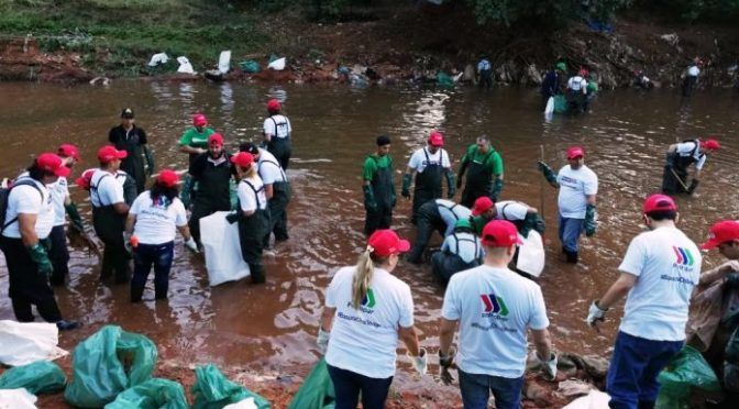 Más de 1.000 voluntarios participan de la limpieza del arroyo Fortín (nanduti)
