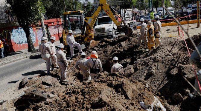 Movilizan a Pemex por fuga… de agua (24 Horas)