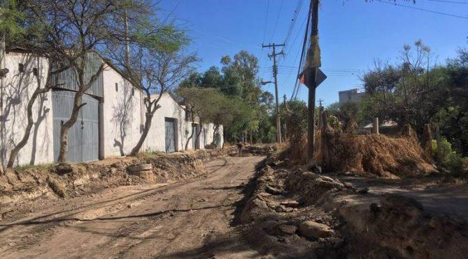 Habitantes de 'La Patiña' sufren ESCASEZ de AGUA (El Sol de Leon)