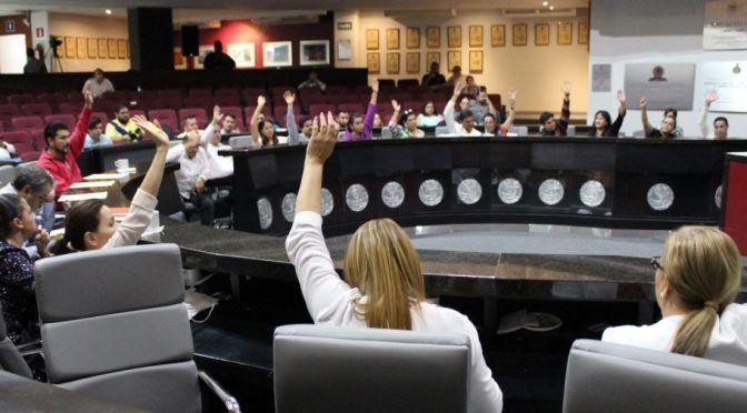 Colima: Aprueba Congreso descuentos en agua, licencia comercial y predial (Manzanillo News)