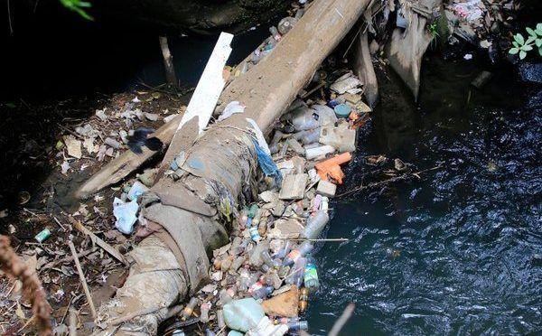 Costa Rica garantiza acceso al agua, pero sigue en deuda en saneamiento (La Nación)