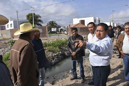 Alcalde Gilberto Hernández Villafuerte, constató problemáticas relacionadas con canales de riego (Revista punto de Vista)