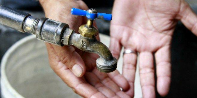 Alcalde de Ecatepec busca ayuda de AMLO ante desabasto de agua (El Universal)