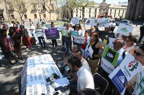 Jalisco:Acaparan y contaminan 50 empresas la mayor parte del agua de Jalisco (La jornada)