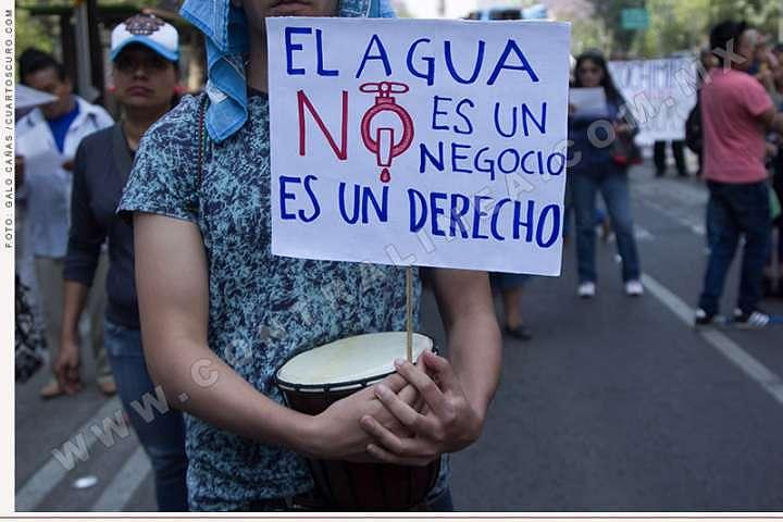 América Latina, lejos de garantizar el acceso universal del agua